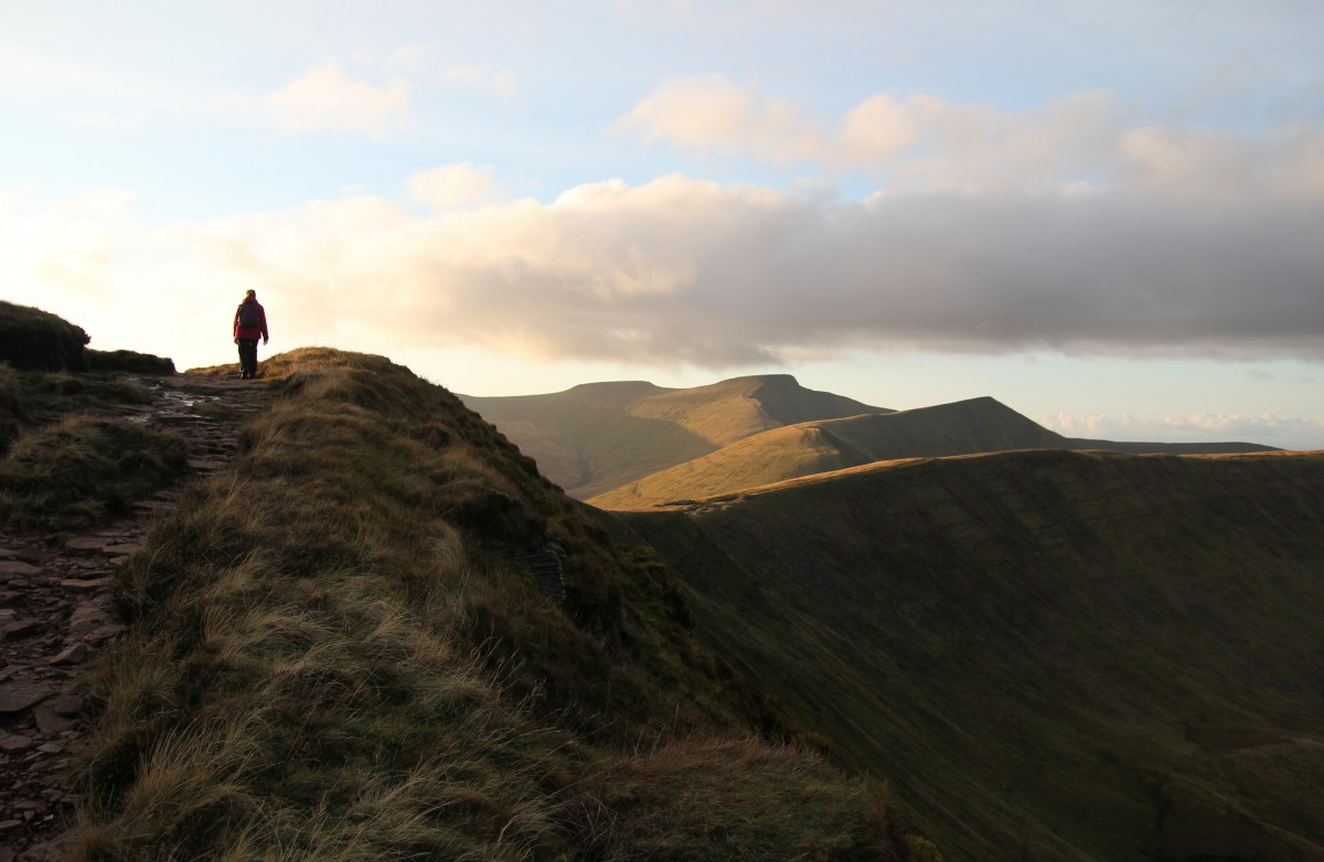 Mountain photograph of Pen-y-Fan and Cribyn from Fan-y-Big - Brecon Beacons. Mountain photography gallery