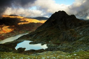 Mountain photography gallery - mountain photograph - Tryfan from Y Gribin Ridge