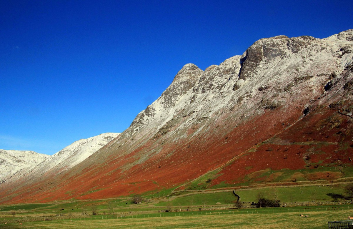 The Langdale Pikes from the Band. Classic mountain walks in the Lake District. Guided by Mountain Explorer
