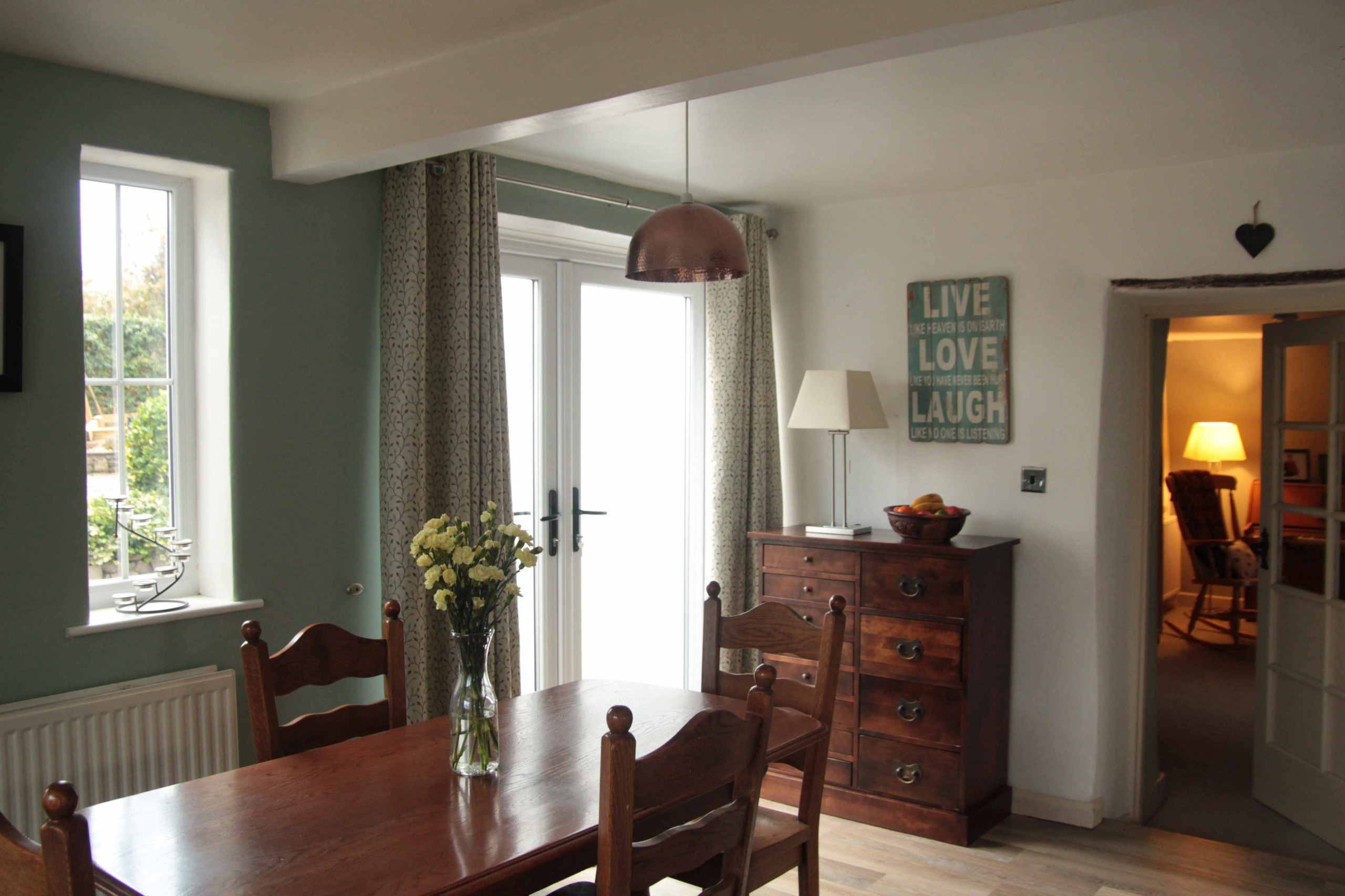 Comfortable bed and breakfast accommodation in Kendal - the Gateway to the Lake District